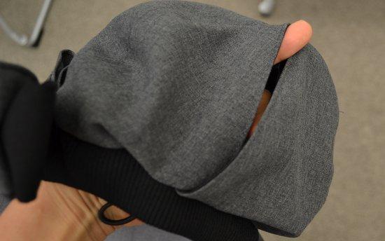 髪をしばったままかぶれる帽子