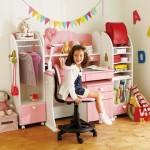 ピンクの学習机・勉強机