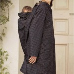 赤ちゃんを抱っこ&おんぶしたまま着られるレインコート(カッパ)ママ用