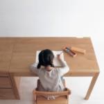 シンプルな勉強机をお探しの方に。自然塗料&アルダー材の健康安心学習机