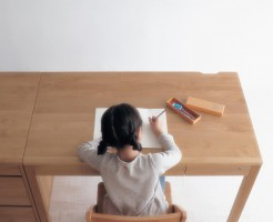 シンプルで国産木材&自然系天然オイルの学習机子供勉強机